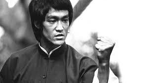 Bruce Lee, el golpe se realiza por sí mismo